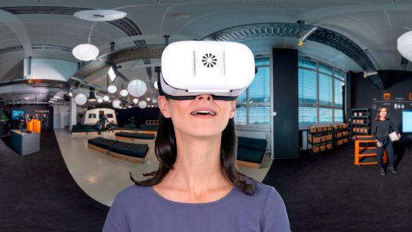 digitaler Messestand ProGlove mit der VR Brille erleben